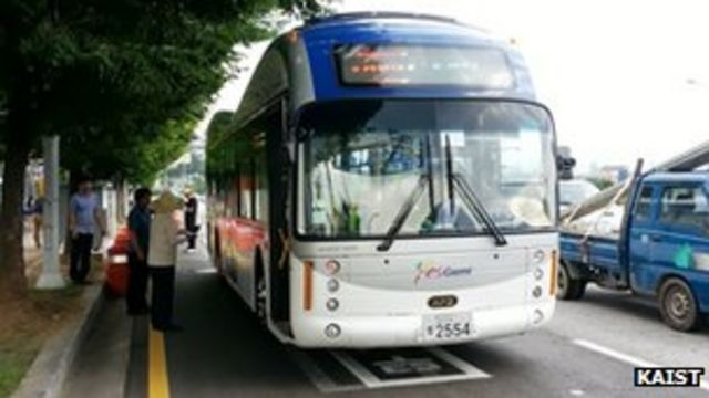 South Korean road wirelessly recharges OLEV buses