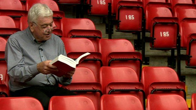 Ian Callaghan reads Red or Dead