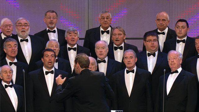 Côr Meibion dros 45 mewn nifer (28) / Male Voice Choir with over 45 members (28)