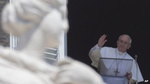 Pope Francis reaches out to Muslims at end of Ramadan