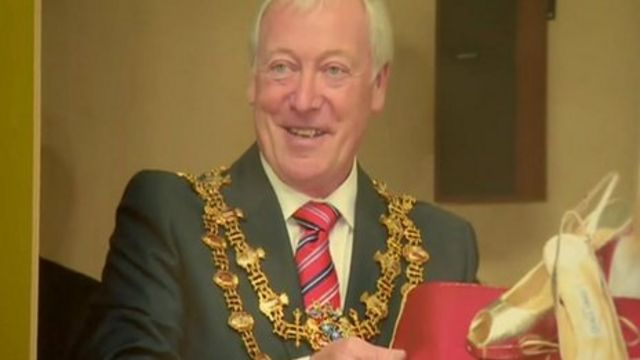 Tony Egginton wearing the chain