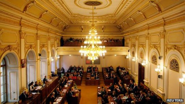 Czech parliament dissolved for early elections