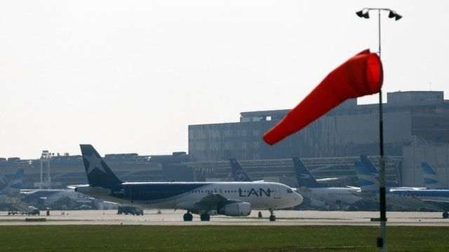 A LAN airlines plane