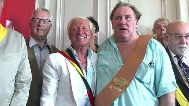 Daniel Senesael, Estaimpuis official and French film star Gerard Depardieu