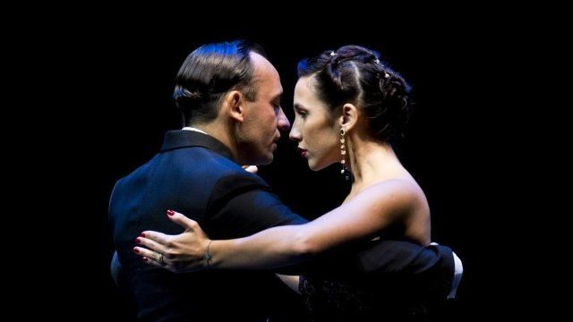 Dancers Maximiliano Cristiani and Jesica Arfenoni