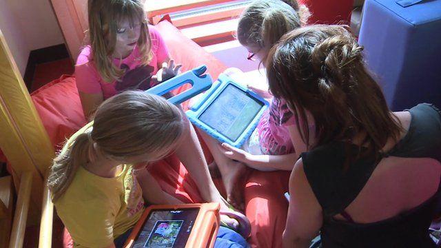 Digital schools: Can tablets replace teachers?