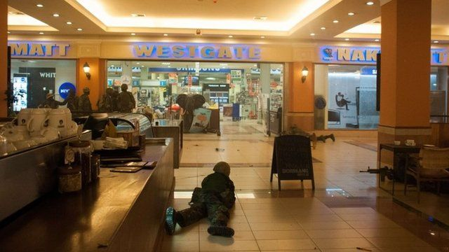 Kenyan troops take positions in Westgate Mall in Nairobi