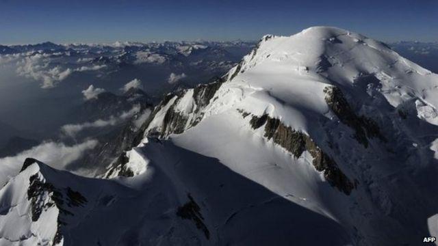 Alpine climber finds 'India plane crash' jewels