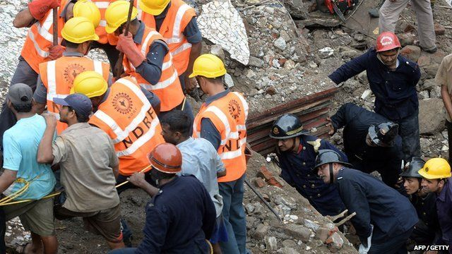 Search for survivors in collapsed building in Mumbai