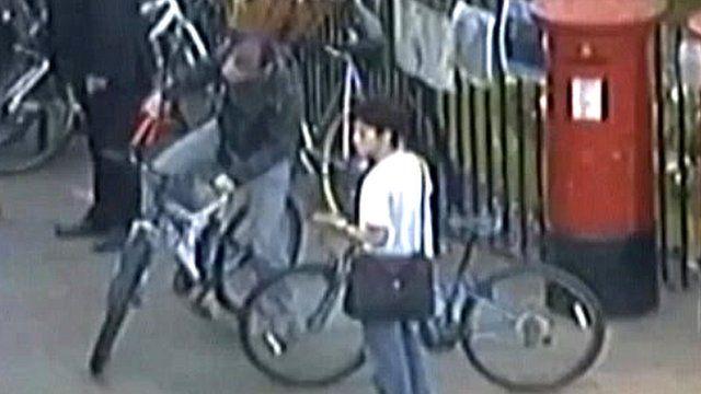 Mock cycle theft in Cambridge
