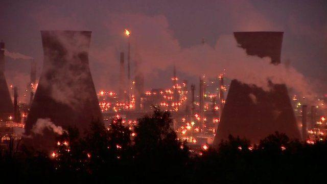 Grangemouth oil refinery at night