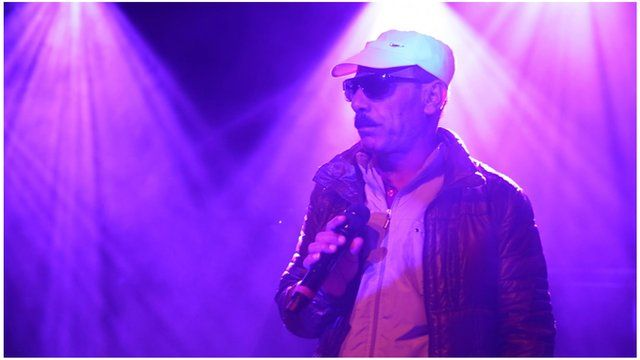 Omar Souleyman on stage