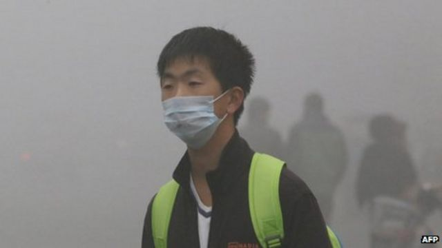 Northern China smog closes schools and airport in Harbin
