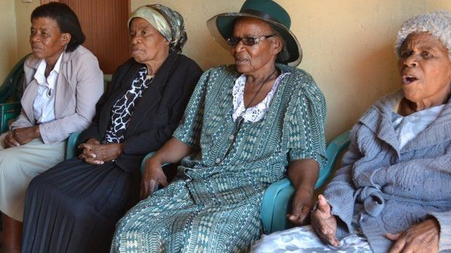 Mercy Ntshekisang (L), Jane Lekoko, Edith Mmusi (C) and Bakhane Moima