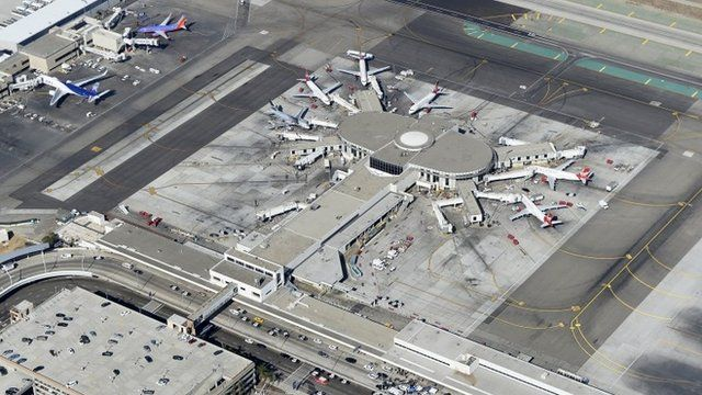 Planes sit idle at Terminal 3 after a shooting at Los Angeles International Airport November 1, 2013 in Los Angeles, California