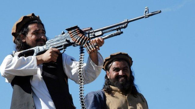 This file picture taken on November 26, 2008, shows Pakistani Taliban commander Hakimullah Mehsud (L)