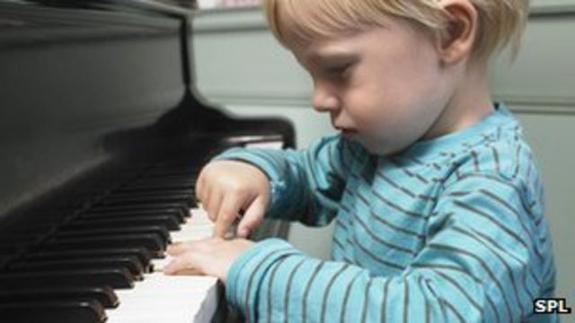 Childhood music lessons 'leave lasting brain boost'