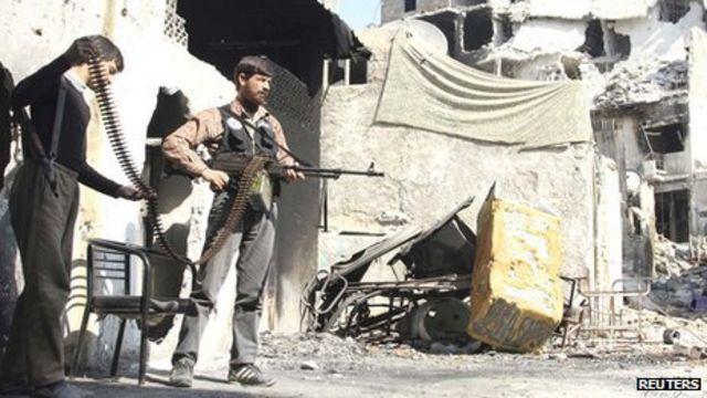 Syria crisis: Diplomats meet over peace talks delay