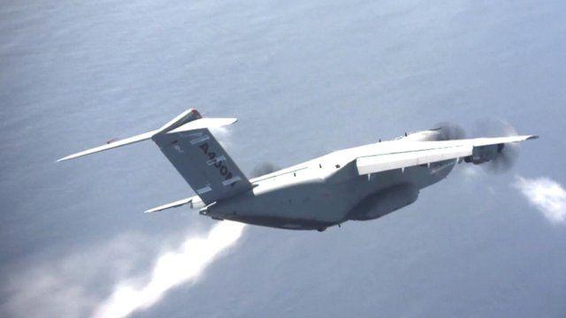 Plane creating fake ash cloud