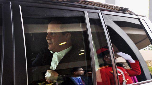 David Cameron leaving the Commonwealth meeting in Sri Lanka