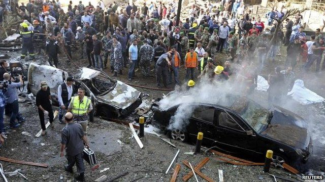 Crowds at blast scene near Iranian embassy, Beirut (19 November)