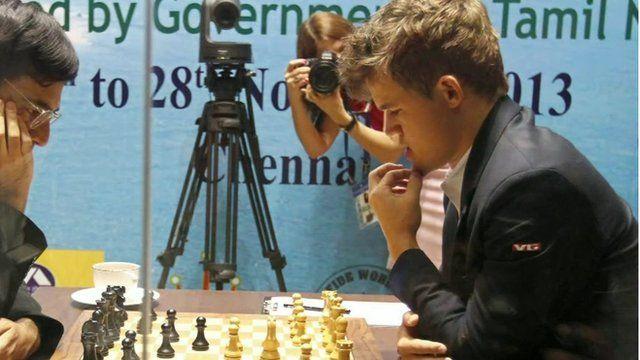 Magnus Carlson playing chess