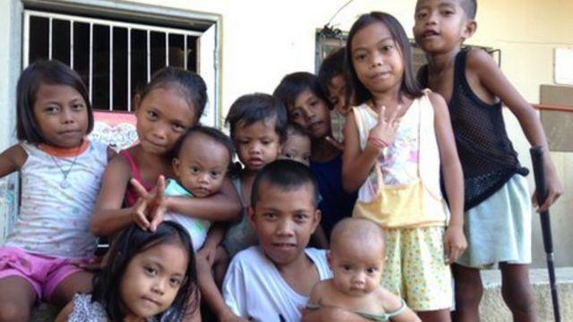 Mass immunisation programme begins in the Philippines