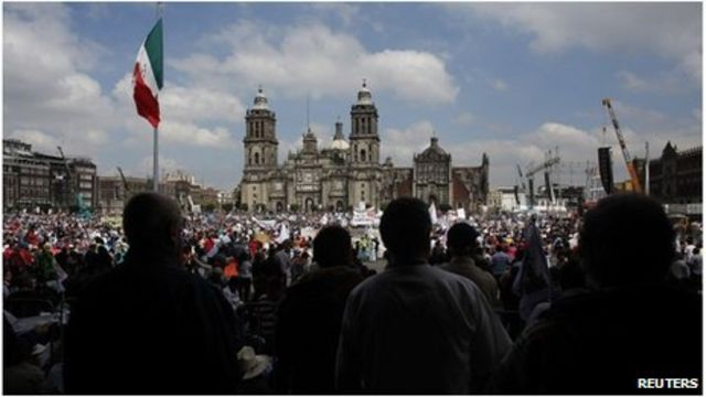 Mexico crowd protests against energy reform