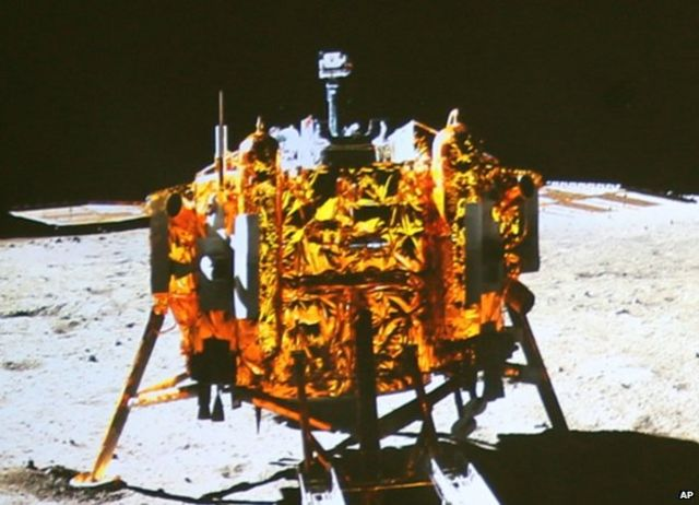 China's Jade Rabbit Moon rover sends back first photos