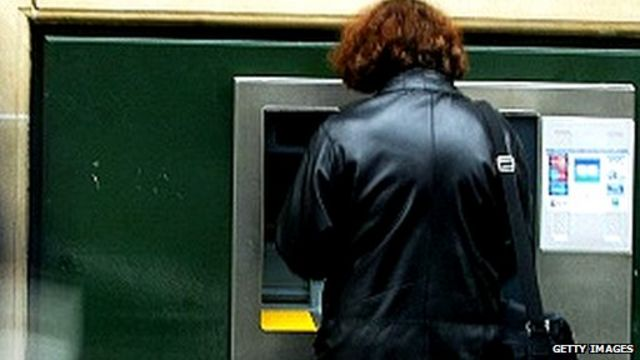 Cash machines raided with infected USB sticks