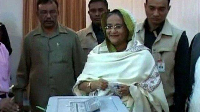 Sheikh Hasina casting her ballot