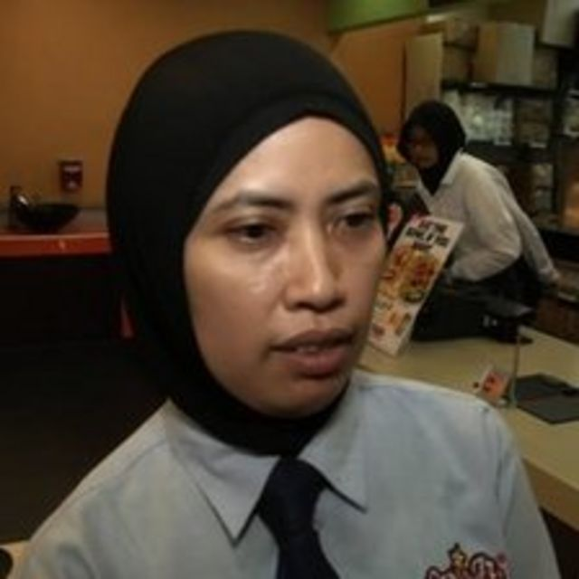 Malaysian fast-food restaurants face foreign worker ban