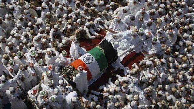 Funeral procession of the head of the Dawoodi Bohra Muslim community Syedna Mohammed Burhanuddin i