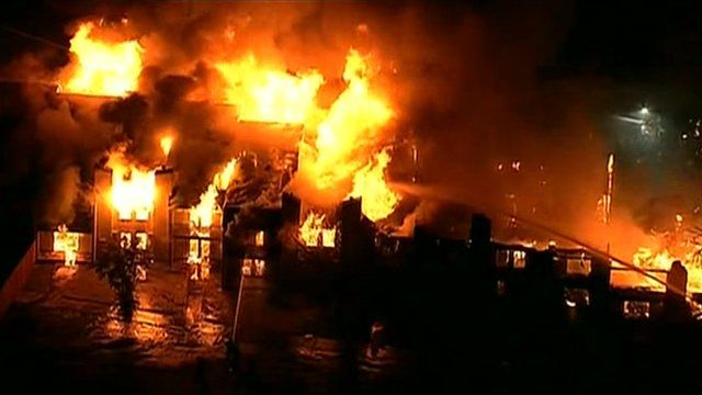 Fire engulfed a Dallas, Texas, condominium complex on 22 January 2014