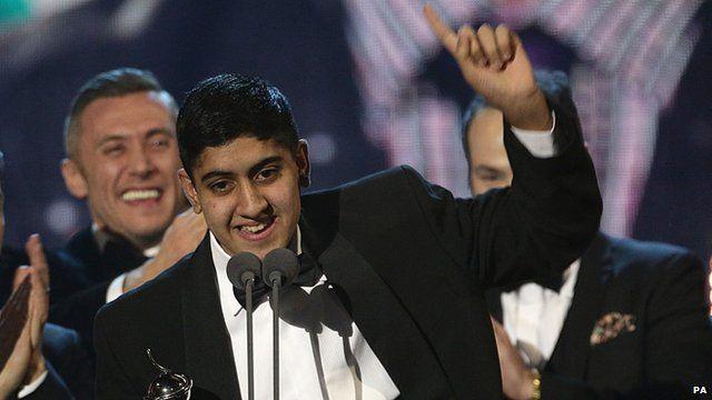 Musharaf Asghar receives the National Television Award