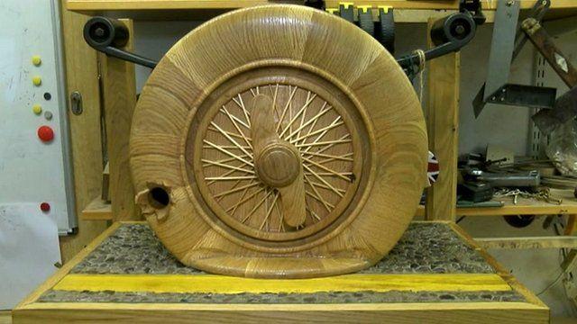 Wheel bird box