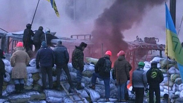 Picture from Ukrainian TV showing protesters behind barricades