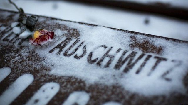 Tribute to those who died at Auschwitz