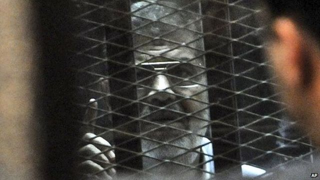 Mohammed Morsi trial over Egypt protesters' deaths resumes