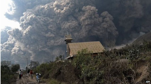 Indonesia volcano Sinabung in deadly eruption