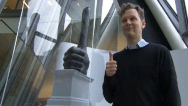 David Shrigley's bronze thumbs up, titled Really Good
