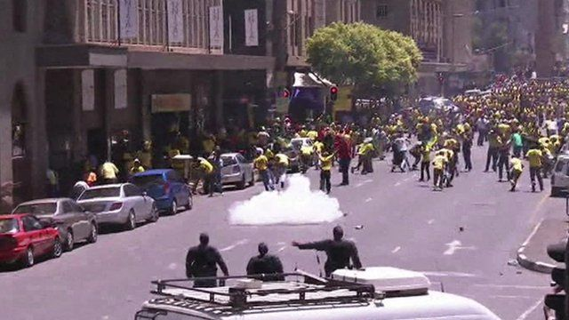 Police open fire on ANC protestors in Johannesburg