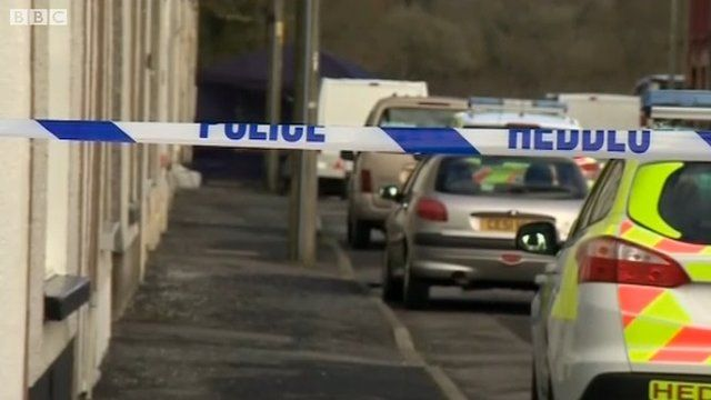 Police cordon off street