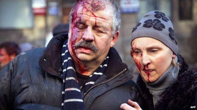 Ukraine crisis: Renewed Kiev assault on protesters