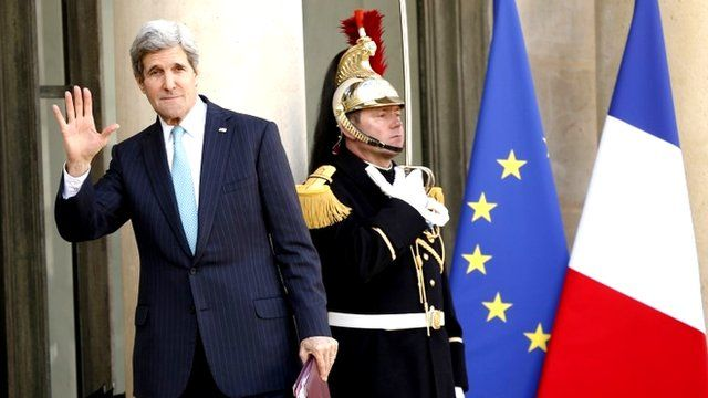 John Kerry arrives at the Elysee presidential palace in Paris
