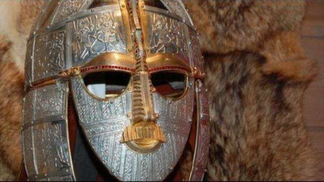 Anglo-Saxon 'kings' village' discovered in Rendlesham