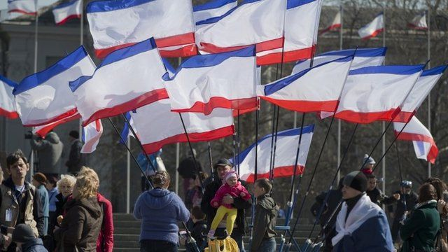 Crimean flags in Lenin Square in Simferopol on Saturday