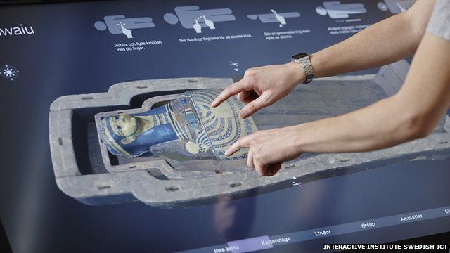 Users can digitally unwrap the mummy of the Egyptian priest Neswaiu