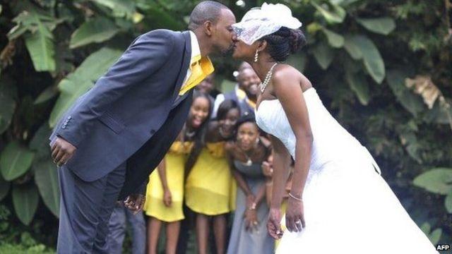President Uhuru Kenyatta signs Kenya polygamy law