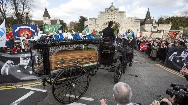 Horse-drawn cortege for Bob Crow